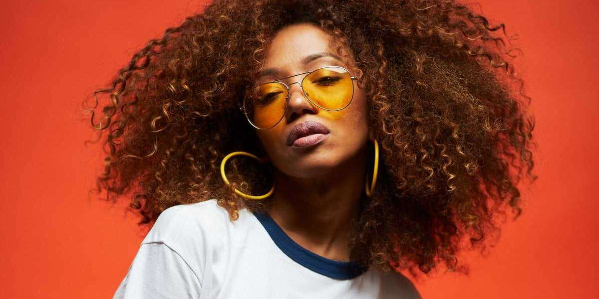 5 Tips for Keeping Your Hair Healthy in the Summer Heat